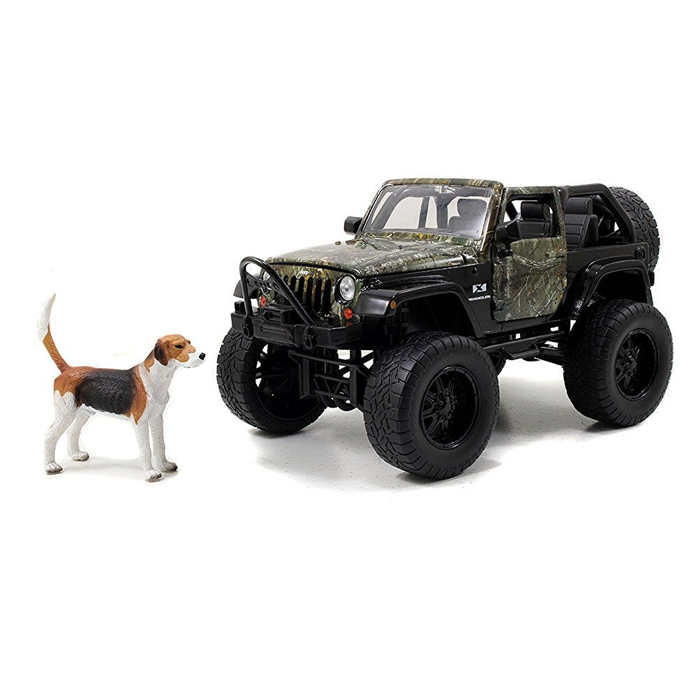 Jada 1/24 Scale Realtree 2007 Jeep Wrangler with Dog Diecast Model Car