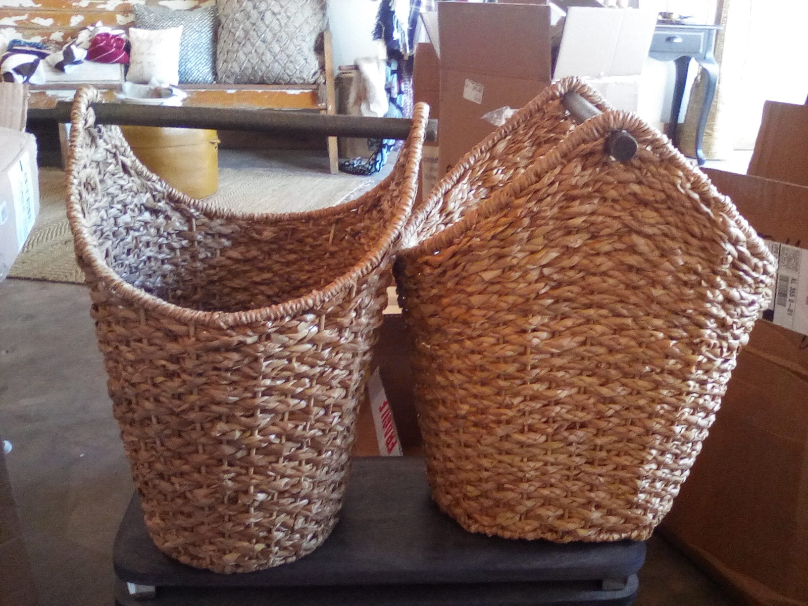 Oval braided TP basket