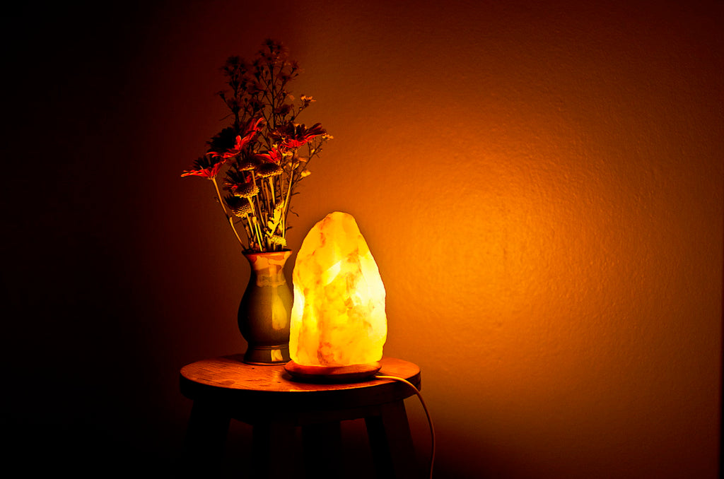 salt lamp lighting