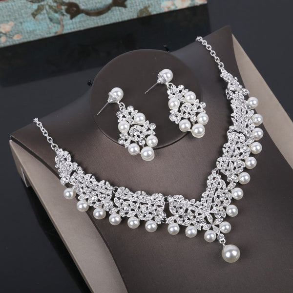 Cara Hall Jewelry Set