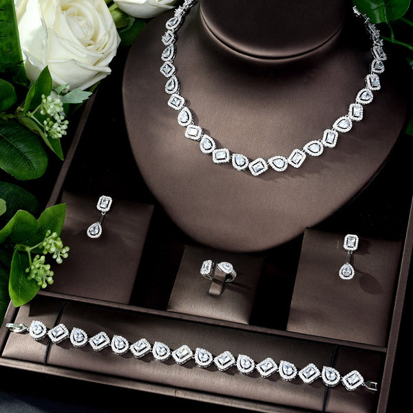 Heidi Thornhill Jewelry Set