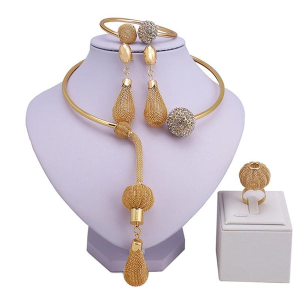 Claire Nixon Jewelry Set