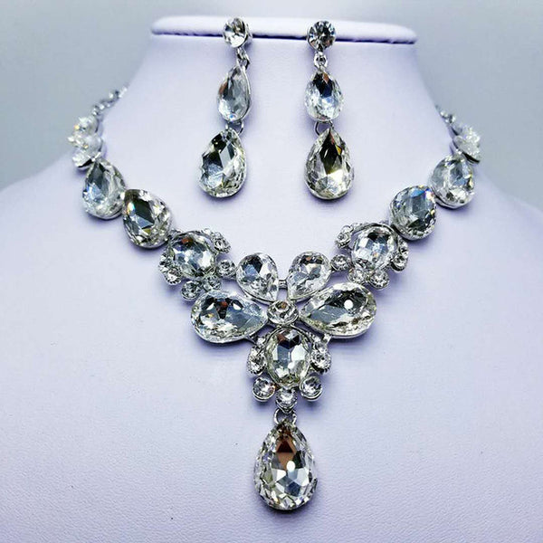 Kiana Evans Jewelry Set