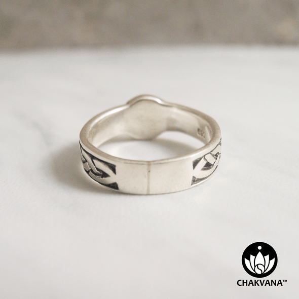 Om Symbol Ring with Celtic Design. Sterling Silver metal. www.chakvana.com