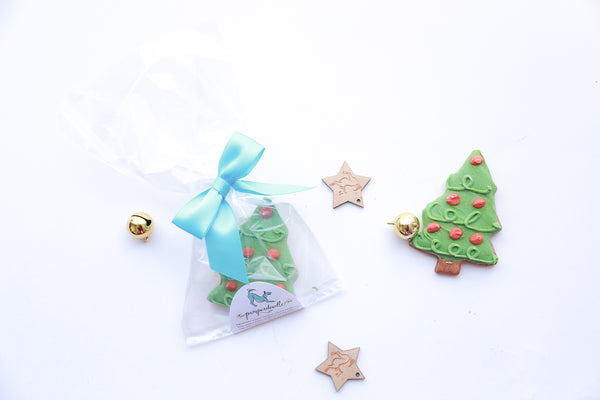 Cheery Christmas Tree Dog Cookie from Pamperdoodle (www.pamperdoodle.com)
