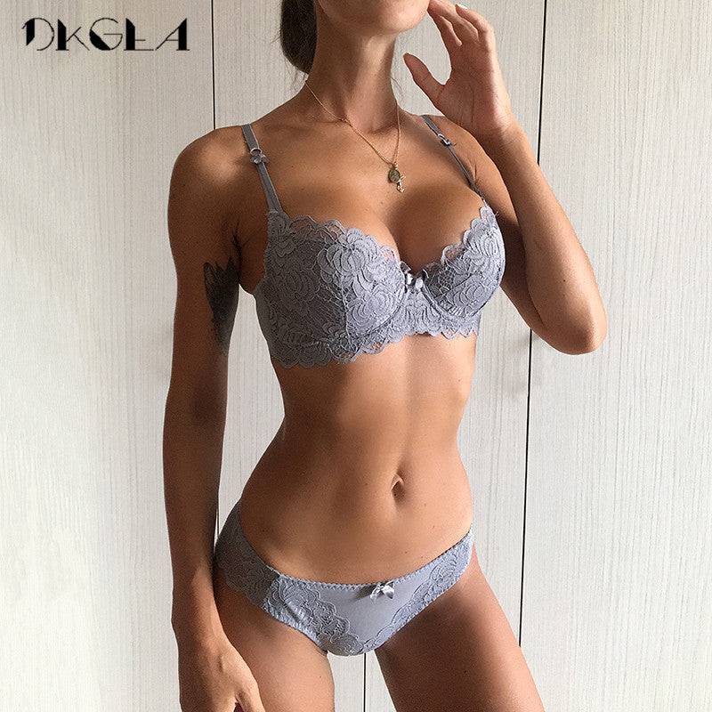 d3221bdd7ff32 Comfortable Thin Cotton Women Underwear Sexy Bra Set Plus Size C D Cup Embroidery  Brassiere Push Up Bras Lace Lingerie Set Black