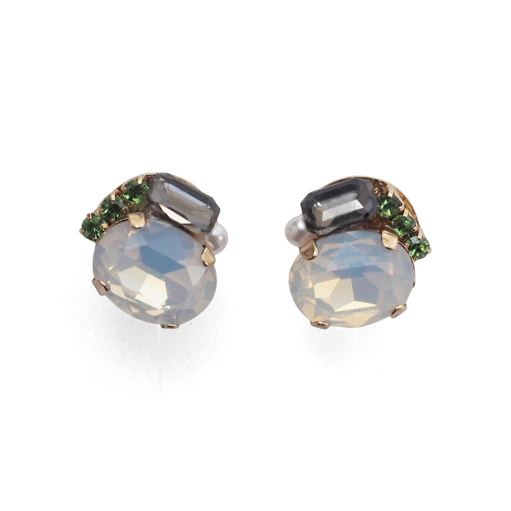 ✨New items! Sparkly pretty rhinestone invisible clip on stud earrings✨