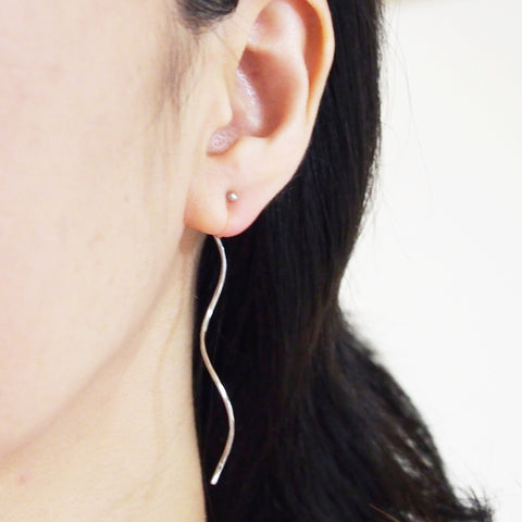 Comfortable pierced look two way dangle long silver waved curved bar threader invisible clip on earrings MiyabiGrace 耳環夾 ノンホールピアス 夾式耳環
