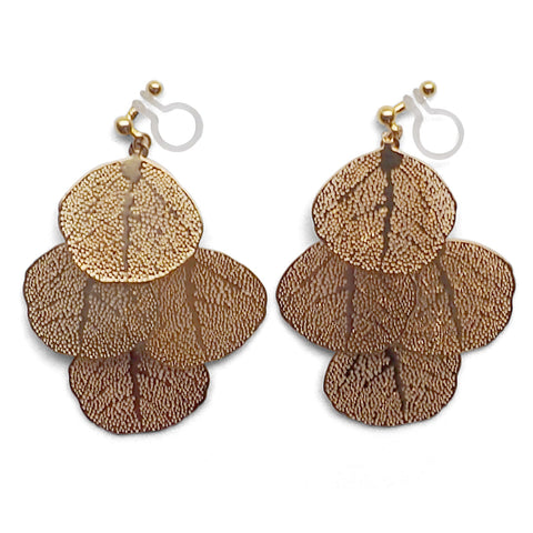 Dangle gold four leaf filigree invisible clip on earrings - Miyabi Grace