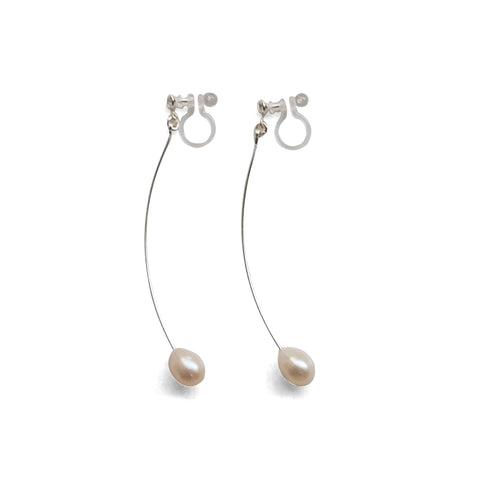 White Teardrop Freshwater Pearl Invisible Clip On Earrings (Silver tone Wave Bar) - Miyabi Grace