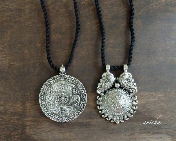 Oxidized silver pendant thread necklace 2 - Anicha