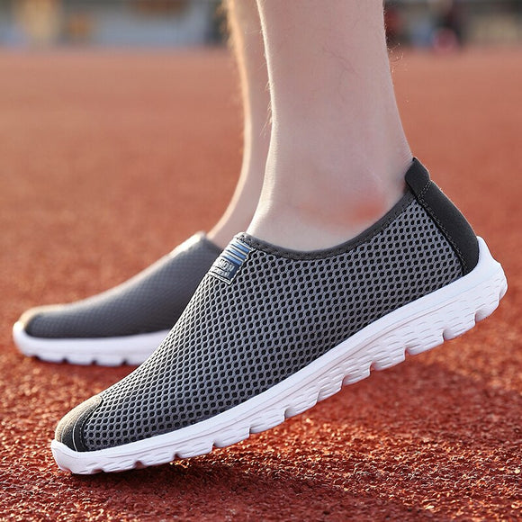 2020 Unisex Mesh Breathable Slip-on Breathable Shoes