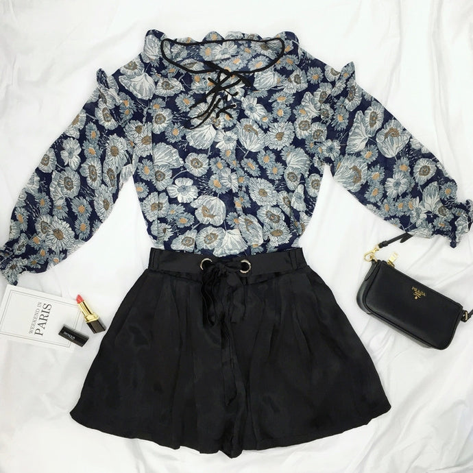 #00067  Floral Print Blouse with Balloon Sleeves & Tie Waist Short with Pleats