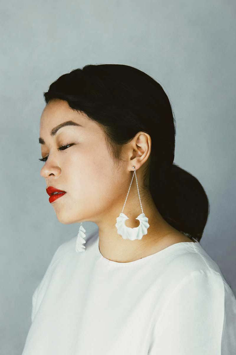 Calla Swing 3D Printed Earrings in Pure White — OHLINA | Contemporary 3D Printed Jewellery