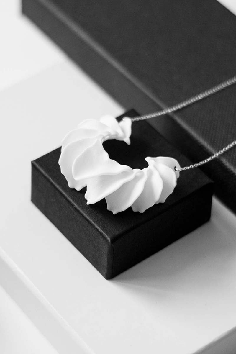 Calla Swing 3D Printed Necklace in Pure White — OHLINA | Contemporary 3D Printed Jewellery
