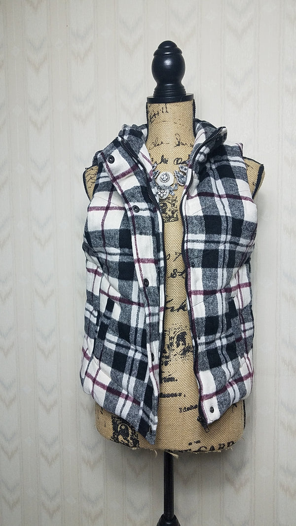 Fiona Plaid Puffed Vest