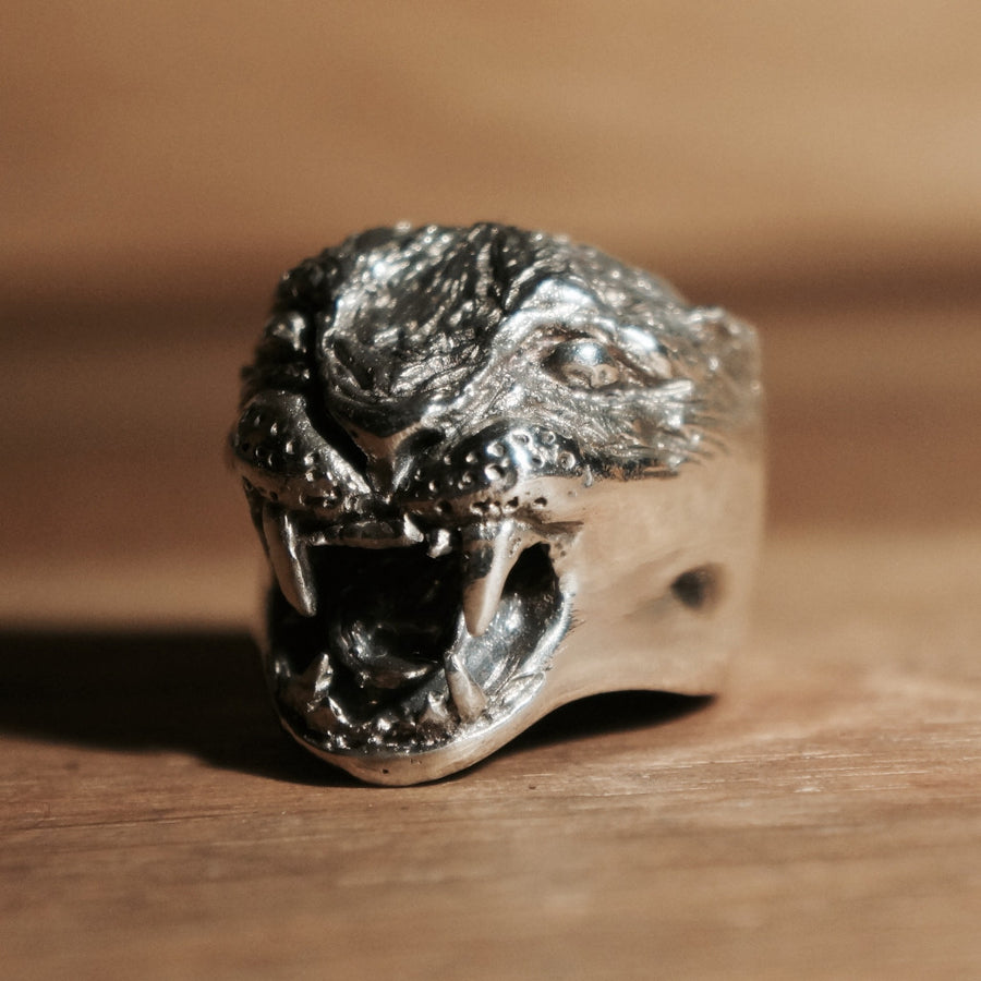 Silver Angry Cat Ring Hex Cavelli Hand carved jewellery