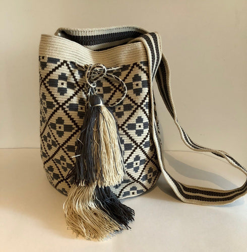 Medium Crossover Mochila Bag Geo Flower Weave - Khabodesigns