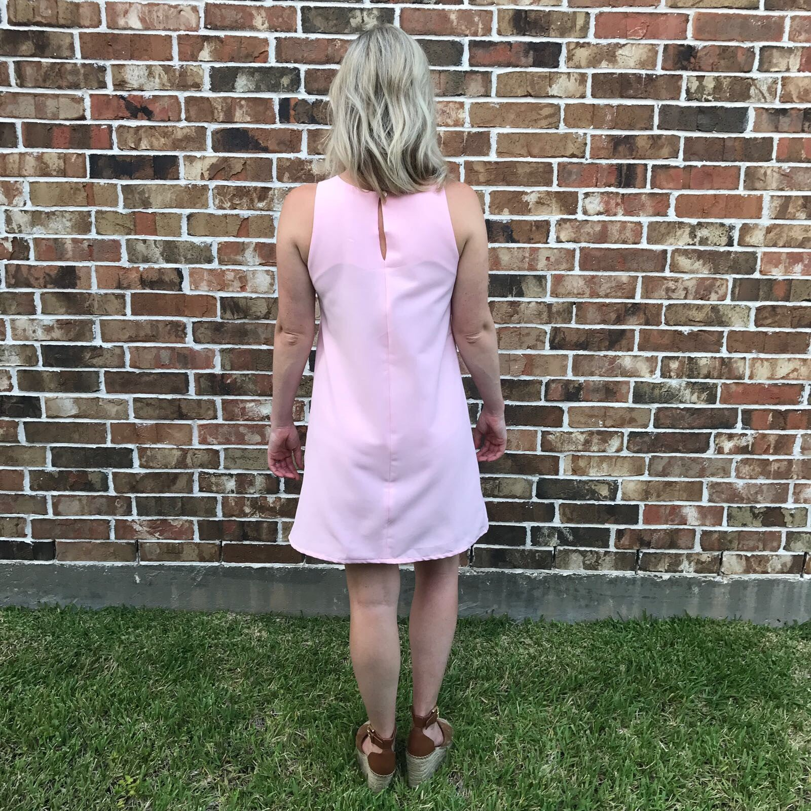 -Sleeveless Fitted Shift Dress (Pink)