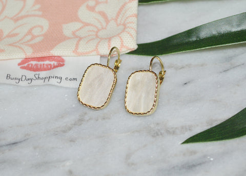 So Chic Earrings - BusyDayShopping