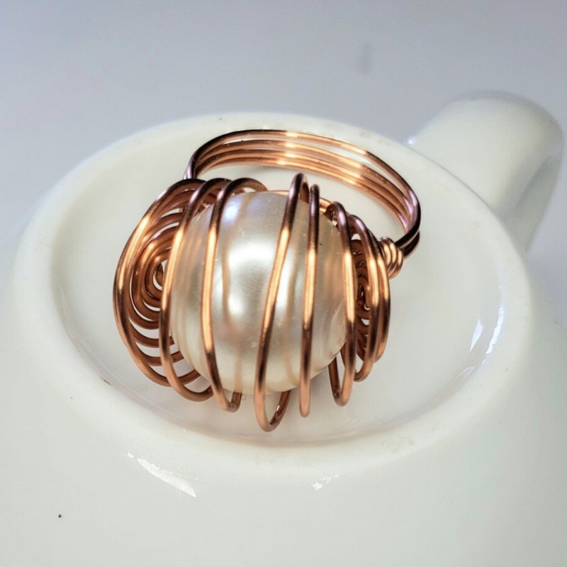 Innovation Ring Ivory Glass Pearl