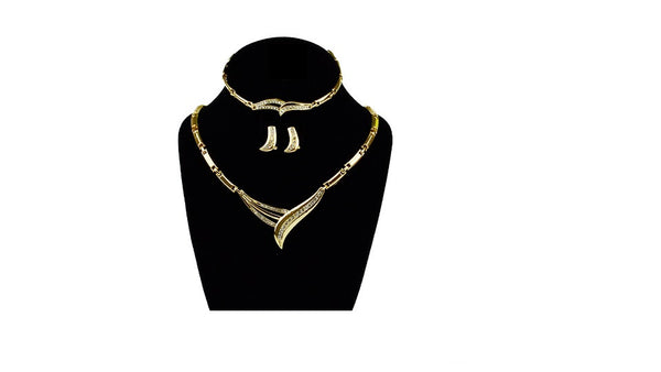 Gold Dipped Diamond Necklace Set (Lightweight)