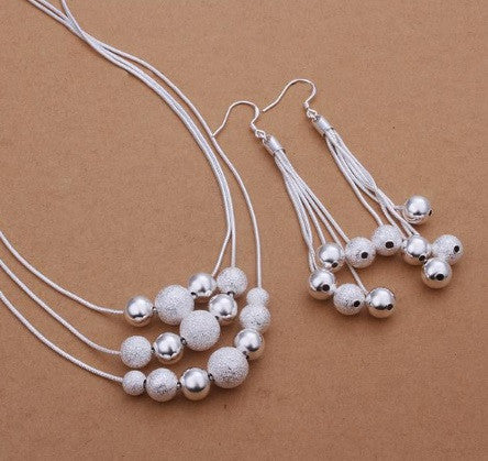 """Drop the Ball"" Necklace Set"