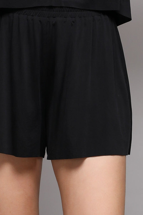 Control Nothing shorts in black - Downtown Chic Online
