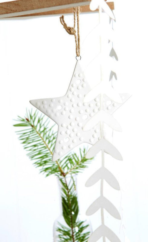 IVORY HOUSE  Porcelain hanging spotty star decoration
