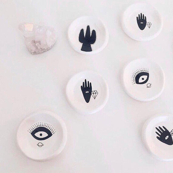 TBTM-White ring dish-EYE+CROSS