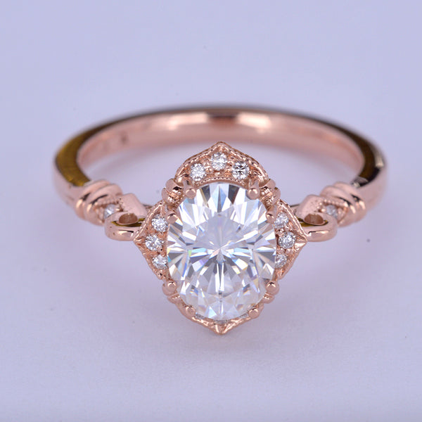Oval Halo vintage look engagement ring in rose gold