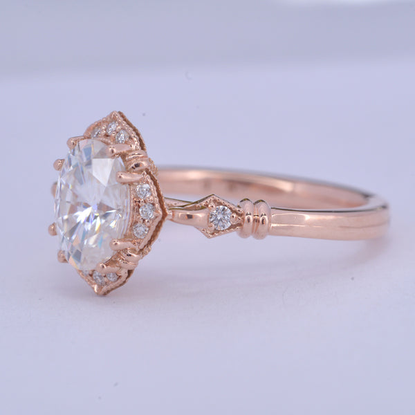 Haydee Oval Halo Engagement Ring Vintage Look in Rose Gold