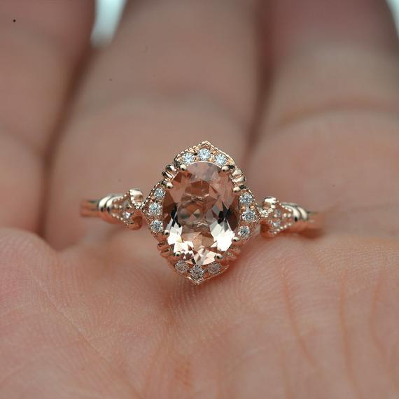 OG1209 Clasic Oval Natural Pink Morganite