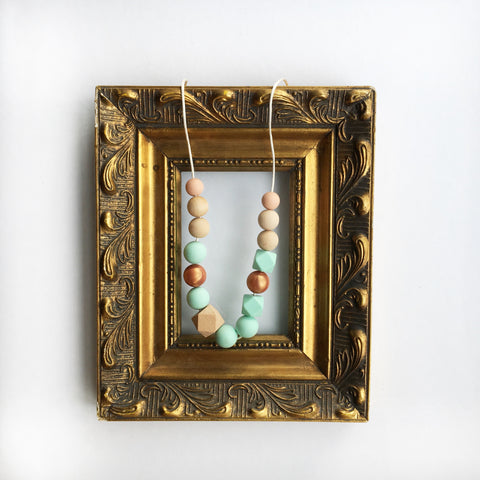 Adison Silicone & Wood Necklace in Mint
