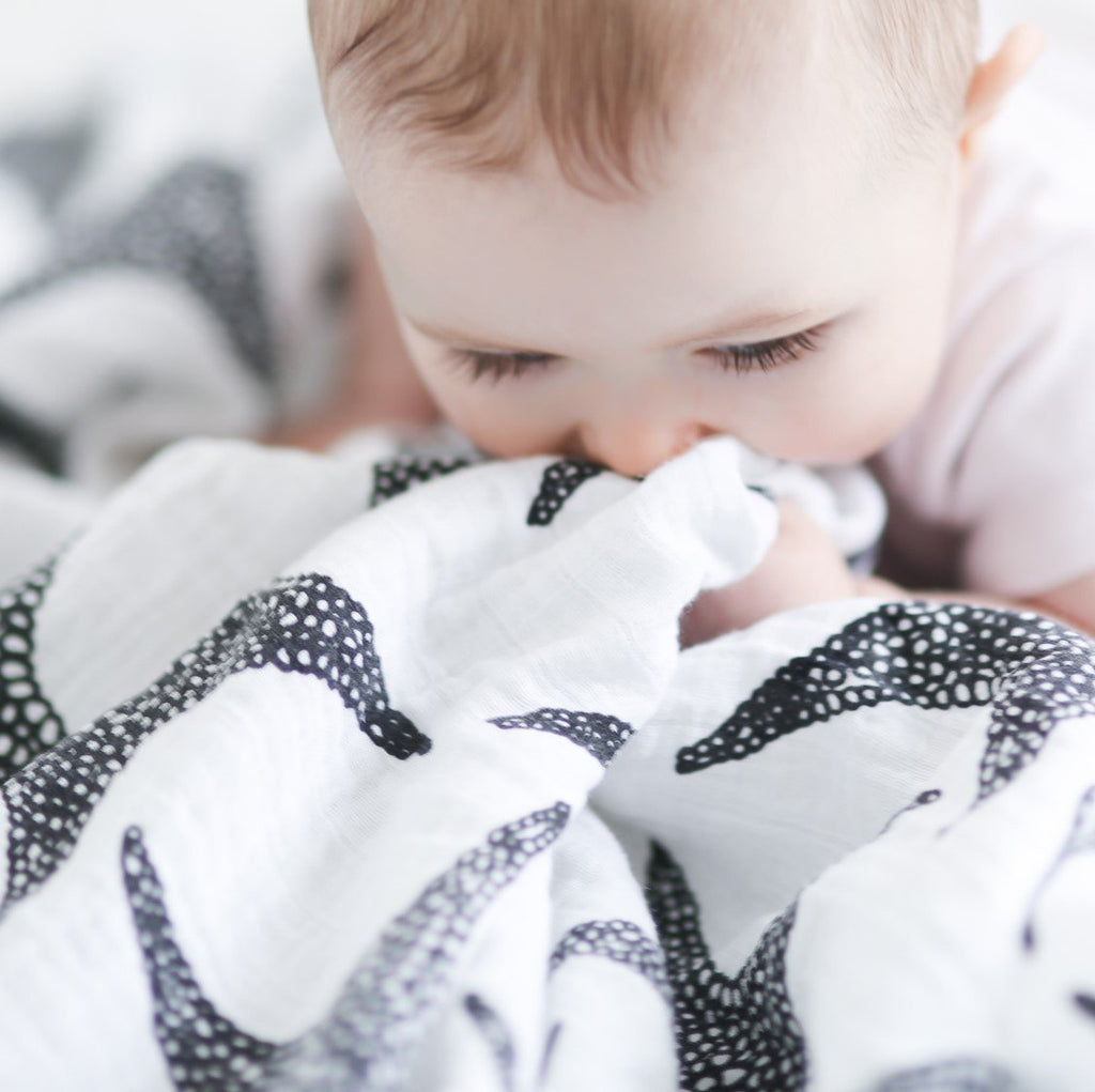starfish print baby muslin - Etta Loves
