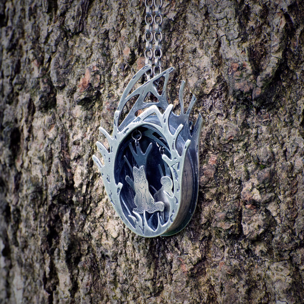 Sterling Silver Kinetic Necklace, Red Riding Hood And Wolf 01