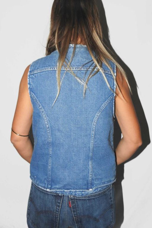WRANGLER DENIM VEST WITH SHERPA LINING