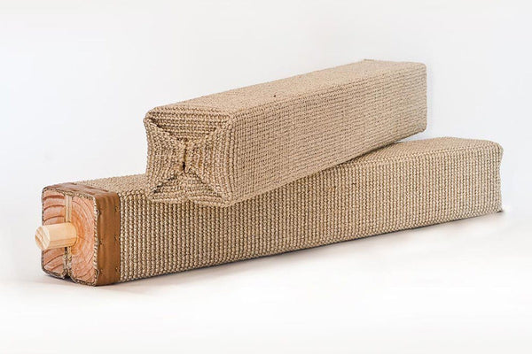 Lato Scratching Post - Tuft and Paw