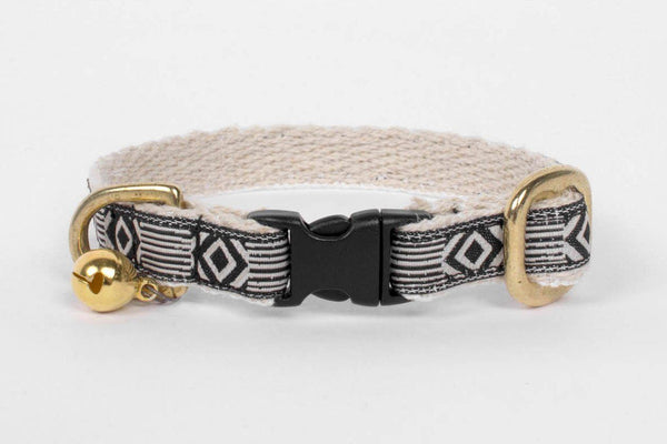 Rocky - Cream & Black Collar Cat Collar - Tuft and Paw
