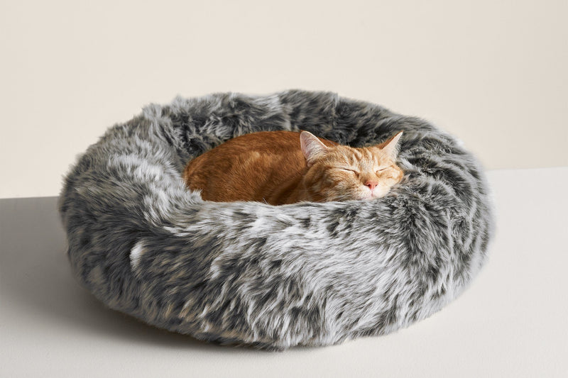Nuzzle Cat Bed - Tuft and Paw