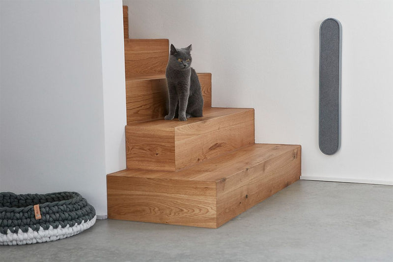 Volto Scratching Post - Tuft + Paw