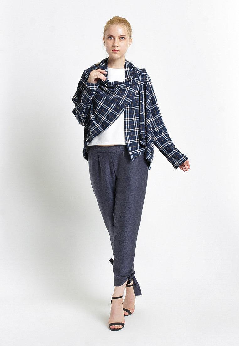 Three Ways Plaid Cape - Navy