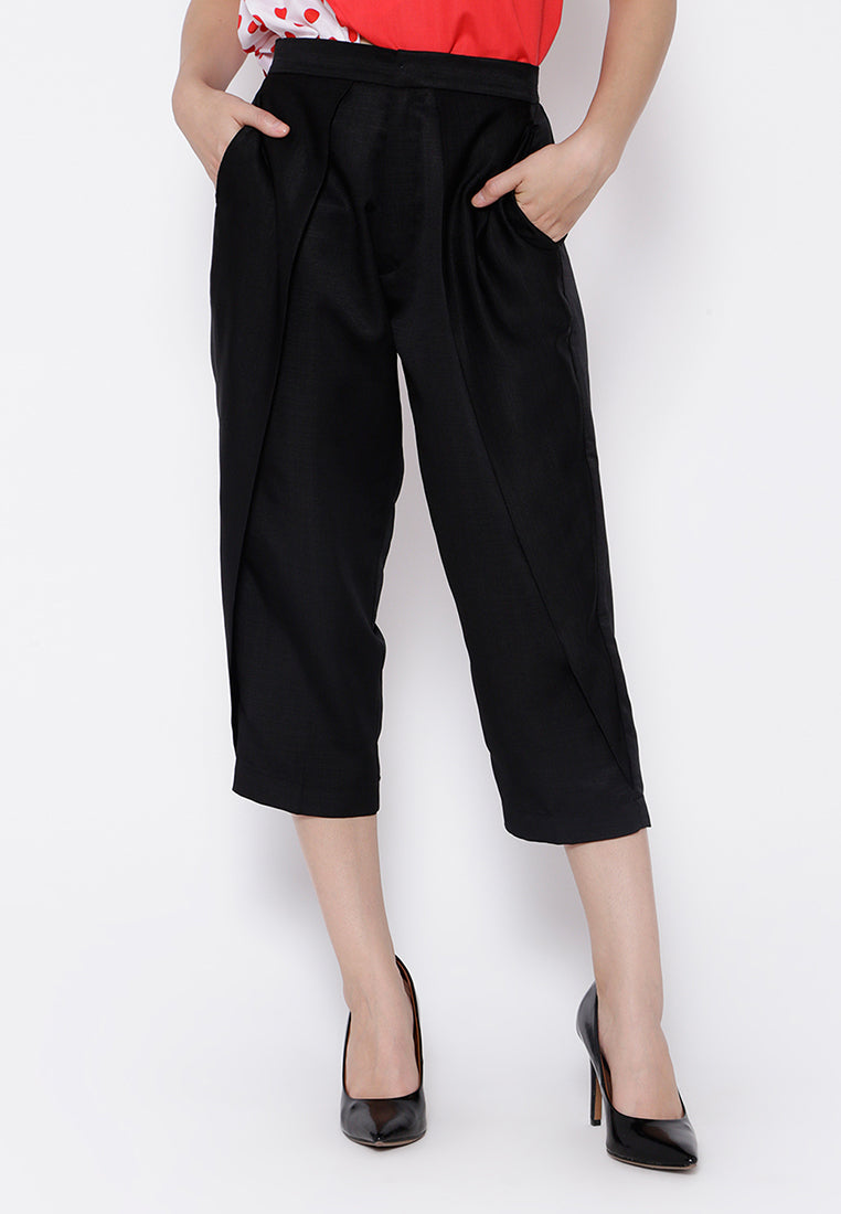 Everyday Capri Pants- Black