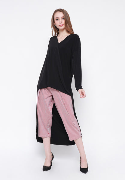 Long Tail V-Neck Blouse Black