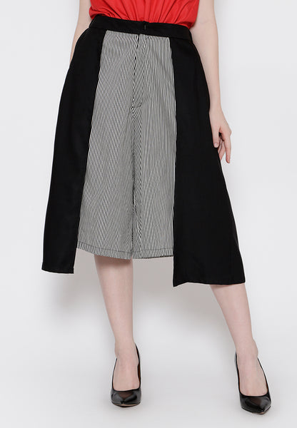 Double Layered Stripe Midi Culottes  Pants - Black & White