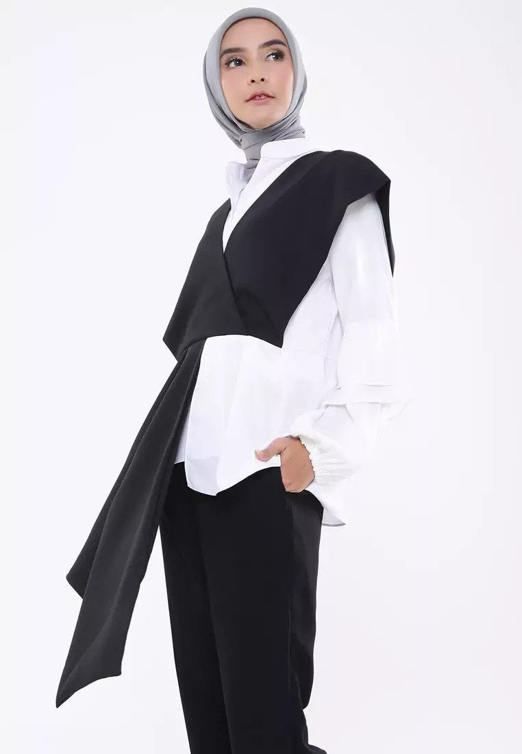 Two Tone Goddess Blouse - Black & White