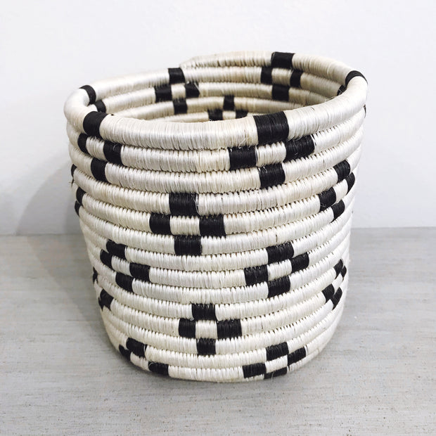 Medium Woven Pot