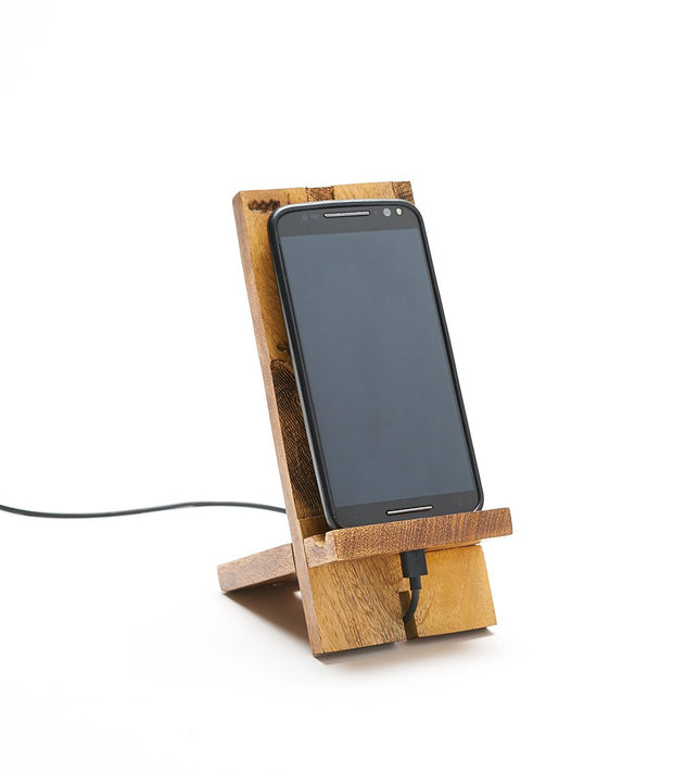 World Smartphone Dock