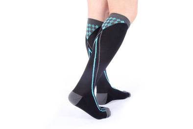 https://cdn.shopify.com/s/files/1/1512/0066/files/sports_socks_blue.jpg?9478227673255844755,https://cdn.shopify.com/s/files/1/1512/0066/files/light_weight_compression.jpg?2851771964939054282,https://cdn.shopify.com/s/files/1/1512/0066/files/compression_socks_airplane.jpg?2851771964939054282,https://cdn.shopify.com/s/files/1/1512/0066/files/zensah_sleeve_calf.jpg?2851771964939054282,https://cdn.shopify.com/s/files/1/1512/0066/files/mediven_comfort_compression_stockings_20-30.jpg?2851771964939054282