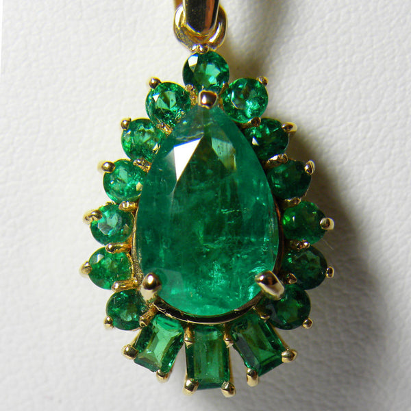 5.20ct AAA+Color Natural Colombian Emerald Solitaire Pendant 18k Gold